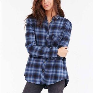 Urban Outfitters • BDG Olly Flannel Blue • Large
